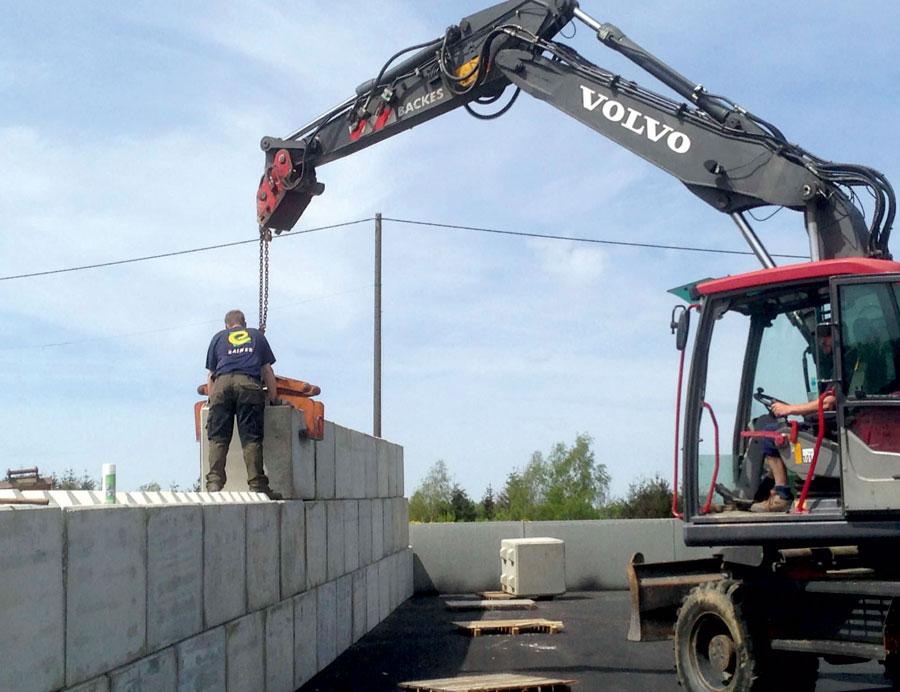 Backes Bau- und Transporte GmbH – Betonblock Backes: Trennwände